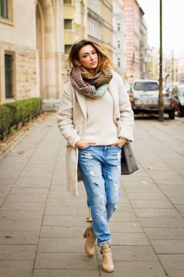 25 Ways to Look Feminine in Baggy Jeans | Boyfriend jeans .