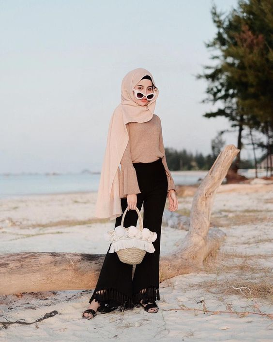 hijab beach style | Hipster dress, Summer fashion outfits casual .