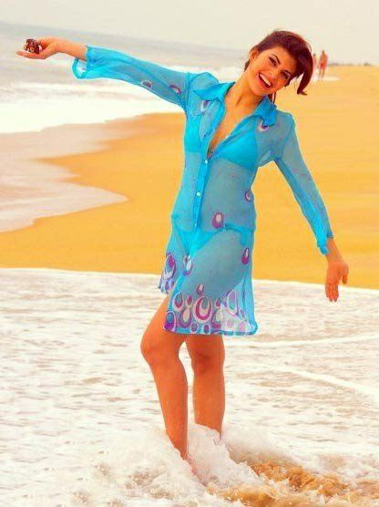 40 Bollywood Celebrity Beach Outfits That You'll Love | Jacqueline .