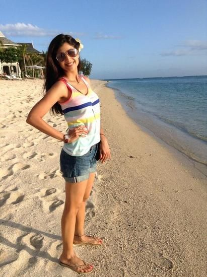 40 Bollywood Celebrity Beach Outfits That You'll Love | Bollywood .