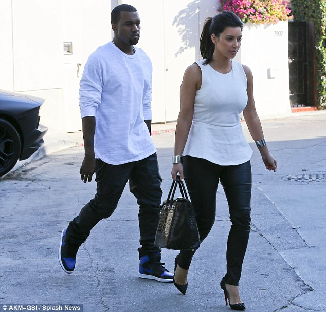 Celebrity Couples who love wearing matching outfits | Popbabb