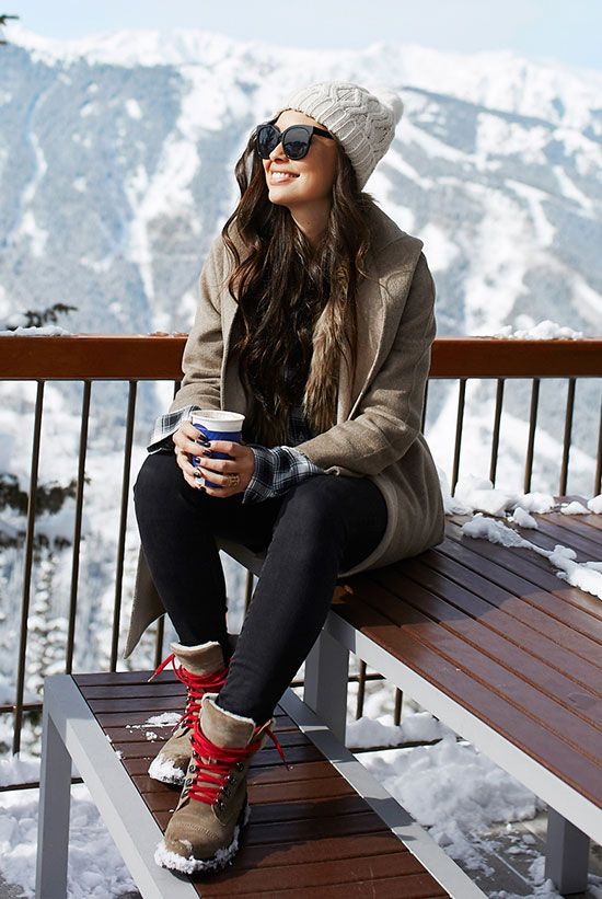 15 Chic And Cozy Snow Day Outfits | Be Daze Live | Snow day outfit .