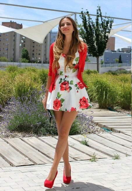 Women's Outfits with Red Shoes- 30 Outfits to Wear with Red Sho