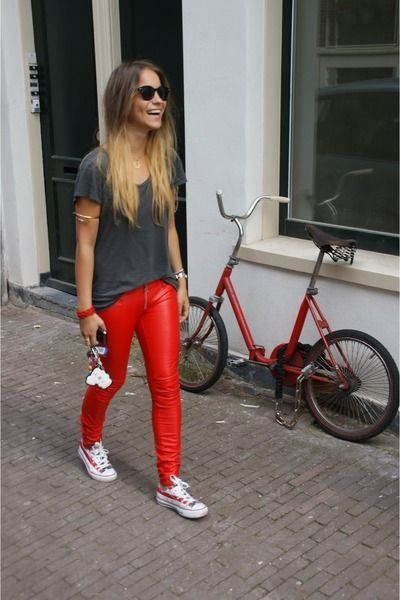 20 Cute Outfits to Wear with Converse Chuck Taylor Shoes   Red .
