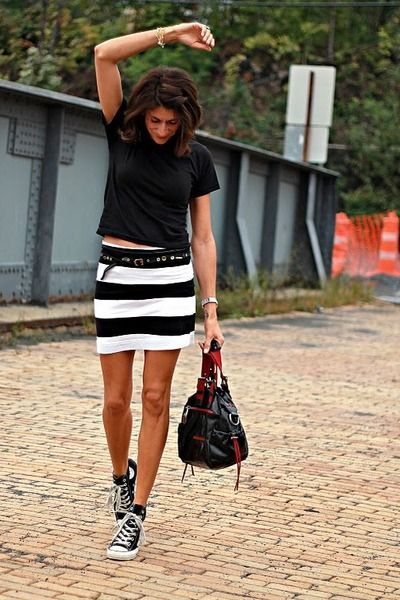 20 Cute Outfits to Wear with Converse Chuck Taylor Shoes   Black .