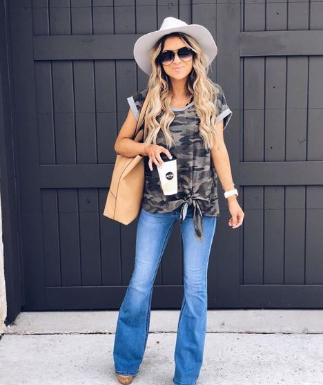 The Michelle Medium Wash Flare Jeans | Flair jeans outfit, Flared .