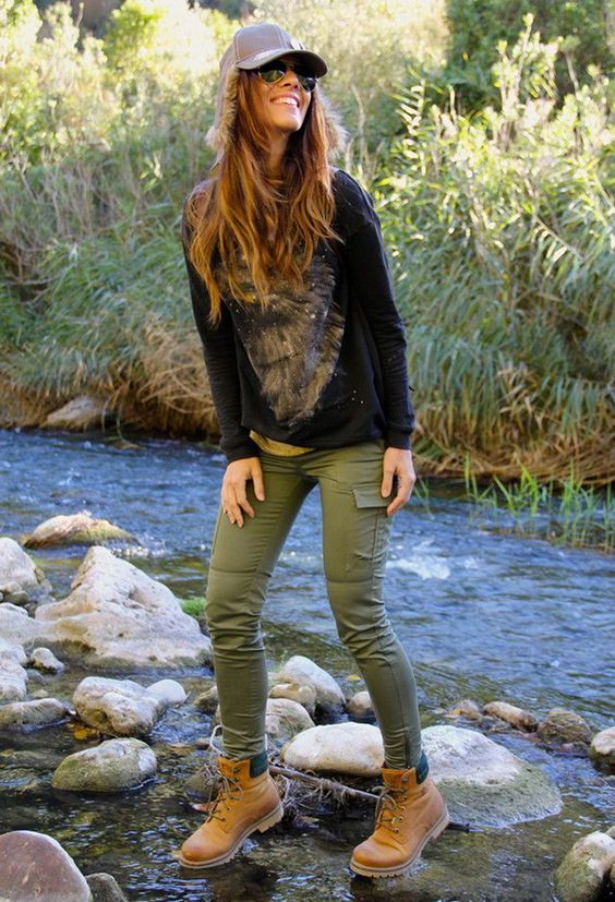 Girls Outfits with Hiking Boots-26 Ways to Wear Hiking Boots .
