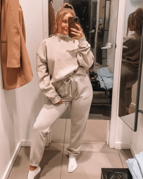 Girls Sweatpants Outfits – 24 Chic Ways to Wear Sweatpants   Girl .