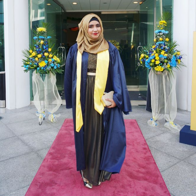 HOW TO STYLE YOUR 'HIJABI' GRADUATION OUTFIT | Graduation outfit .
