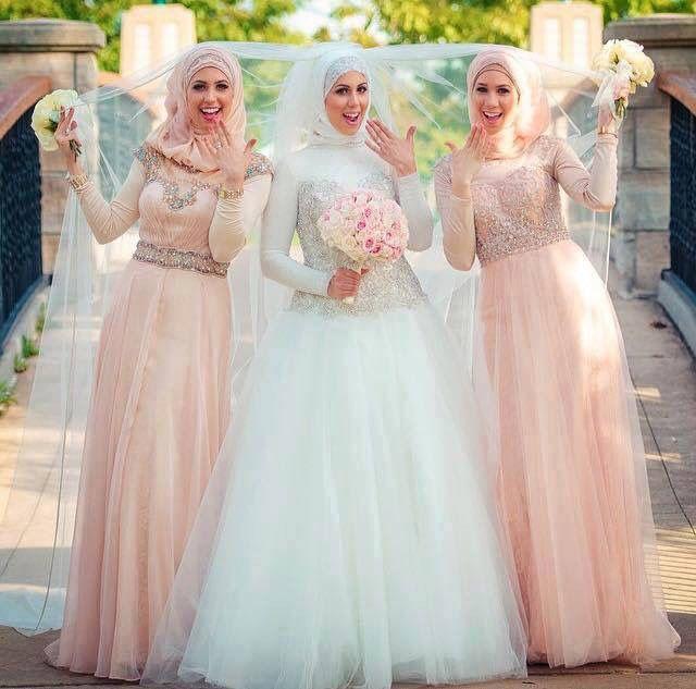 Modest street hijab fashion   Muslim wedding dresses, Hijab .