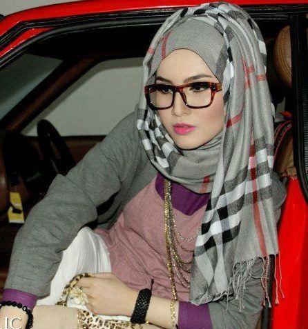 How To Wear Sunglasses with Hijab - Nona Gaya | How to wear hijab .