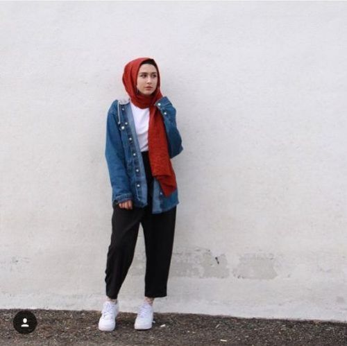 How to wear the oversized jean jackets with hijab – Just Trendy .