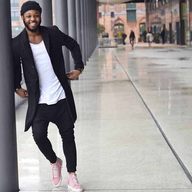 follow @jephterr for some style inspiration   Sneakers outfit men .