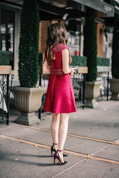 robe, tenues de soirée de bachelorette, robe rouge, robe de Noël.