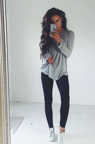 This is such a cute outfit with black leggings! | Fashion, Outfits .