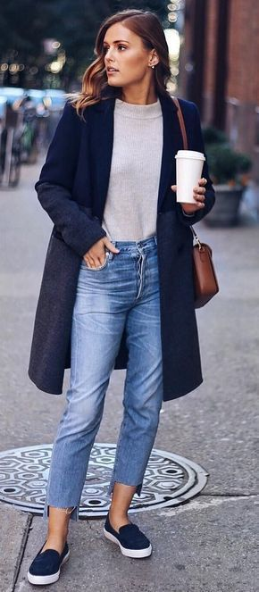Winter #Outfits / Navy Blue Coat - Crop Jeans .