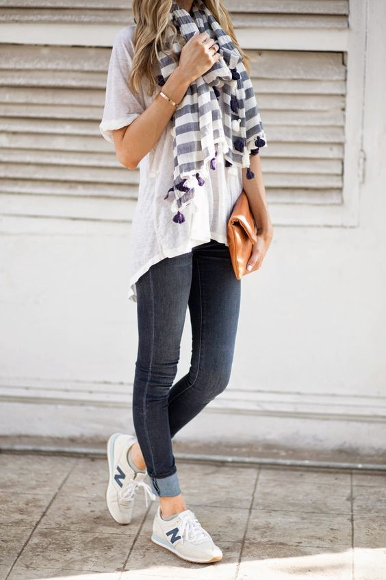 6 Ways to Wear Sneakers With Your Everyday Outfit | Modest casual .