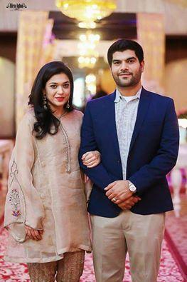 Pakistani Couple Outfits-25 Best Outfits Of Pakistani Celebrities .