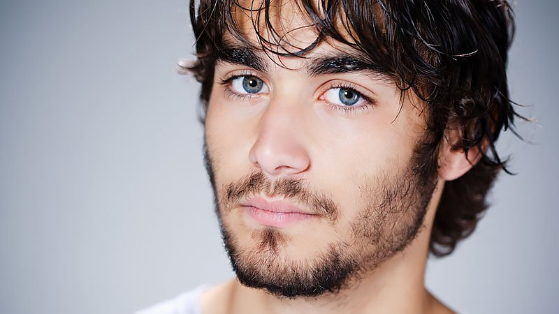 How to Fix a Patchy Beard - The Trend Spott
