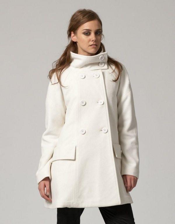 15 Stylish and Cozy Women Long Coats 20