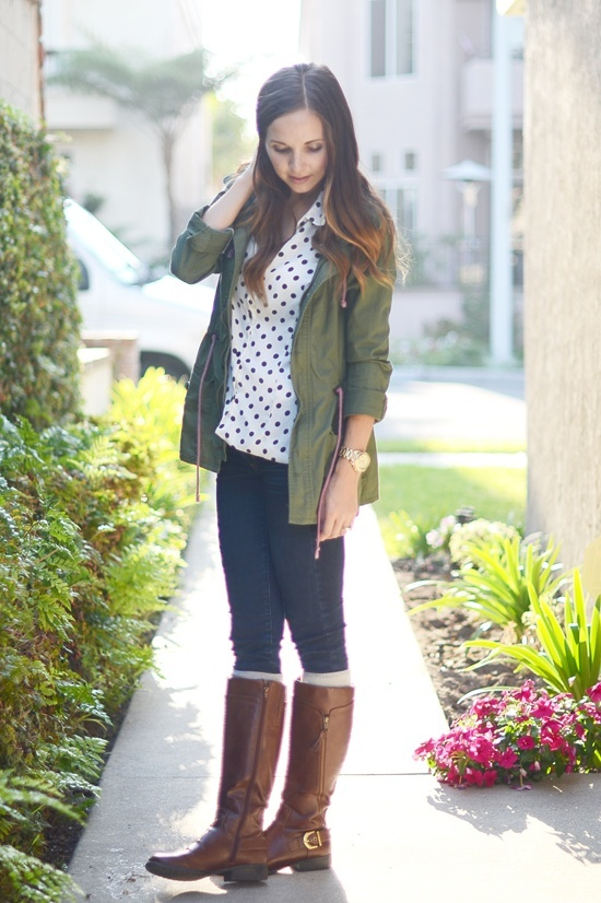 22 Stylish Outfits to Wear with Long Boots This Seas