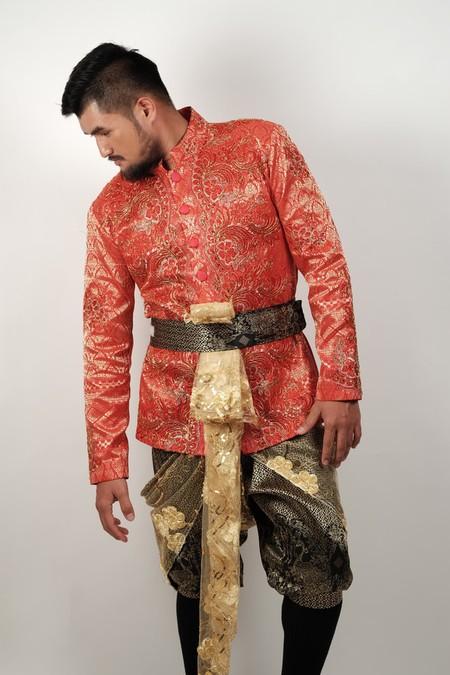 Chut Thai: Thailand's Beautiful Traditional Dre