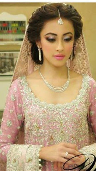 25 Trending Hairstyles For Walima Functions In 2020 | Indian .
