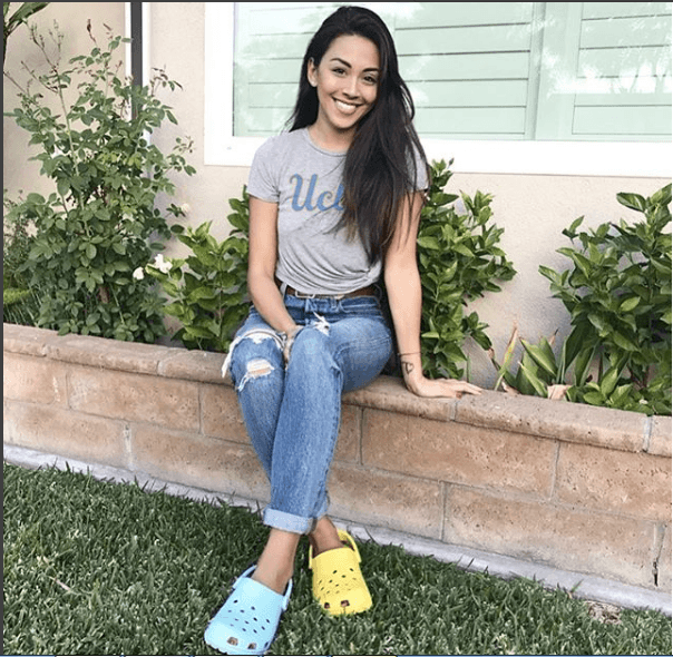 Women Outfits With Crocs – 27 Ideas On How To Wear Crocs | Crocs .